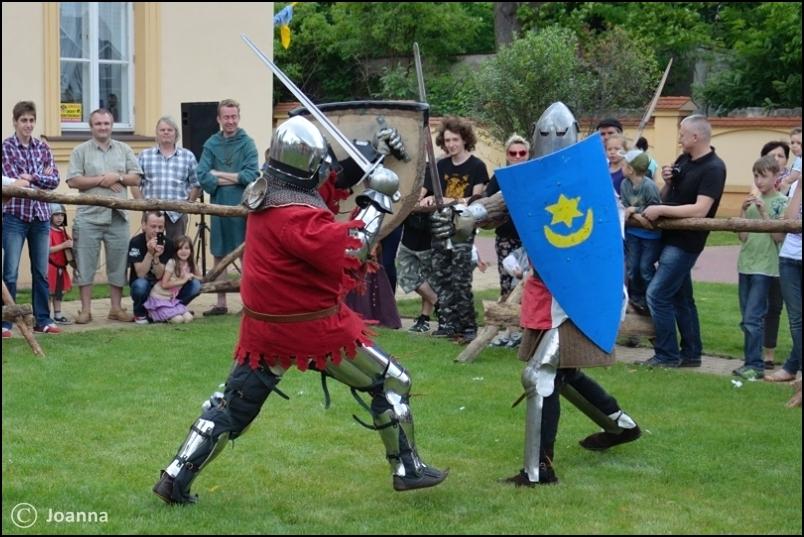 pojedynek na miecze