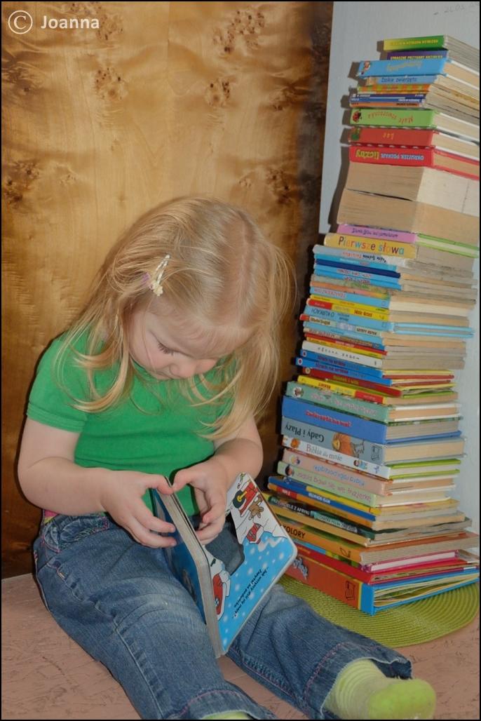 książki - wieża Luśki