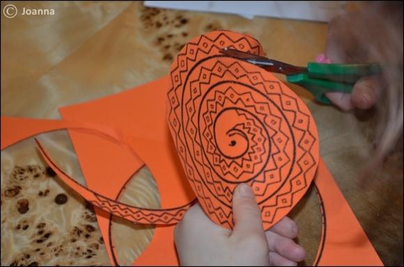 wąż z papieru - wycinanie precyzyjne