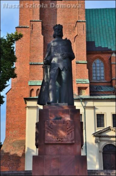KAtedra w Gnieźnie - pomnik Bolesława Chrobrego