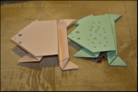 żaby origami