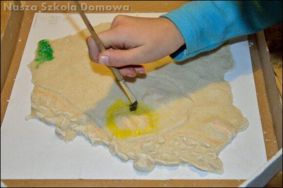 malowanie mapy Polski z masy solnej