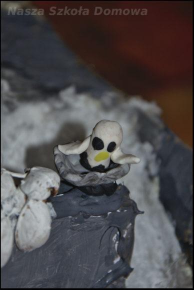 sowa śnieżna z plasteliny