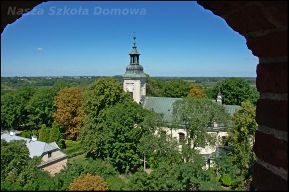 Widok z baszty na kościół