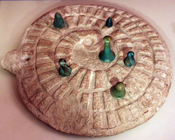 Egipska gra spiralna w kształcie węża