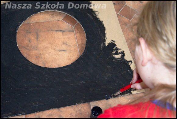 fazy księżyca - malowanie podstawy modelu