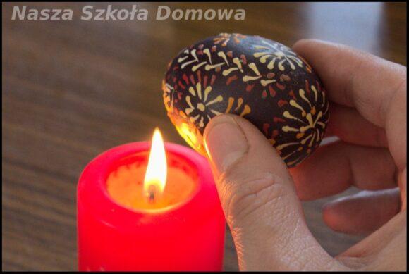 tradycyjne pisanki - usuwanie wosku